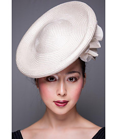 Fashion hat Cream Eldorado, a design by Melbourne milliner Louise Macdonald