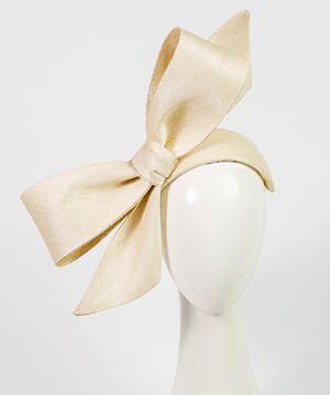 Fashion hat Elly Bow, a design by Melbourne milliner Louise Macdonald